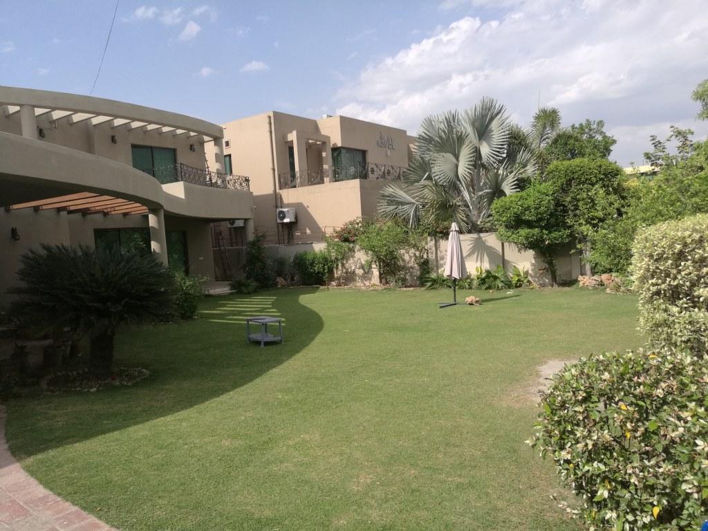 Pakistan Commercial Reantal Property For Sale